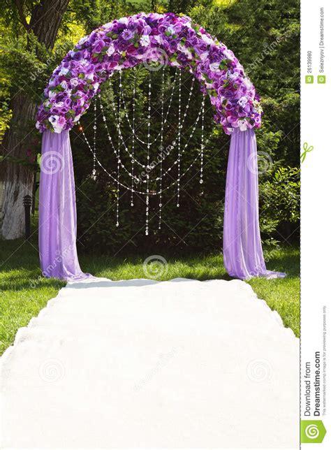 Dekoration Mit Fotos 3993 by Hochzeitsbogen Stockfoto Bild 26139980