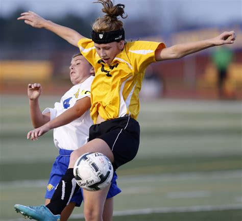 image gallery jd sports aberdeen photo gallery aberdeen central girls soccer vs groton