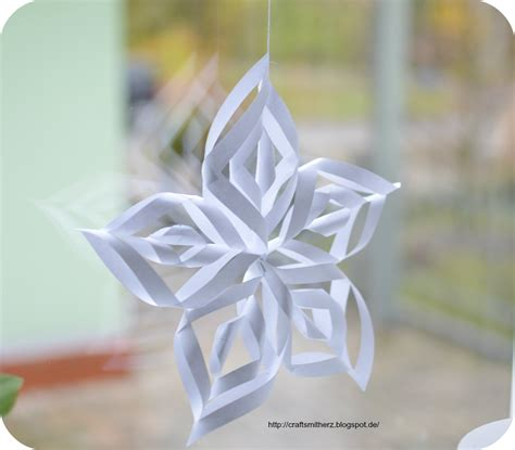 How To Make Paper Snowflake Ornaments - crafts mit herz paper snowflake ornaments