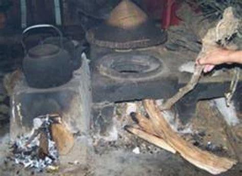 Tempat Bumbu Dapur Dari Kayu tungku ataoe hawu sepanjang jalan kehidupan