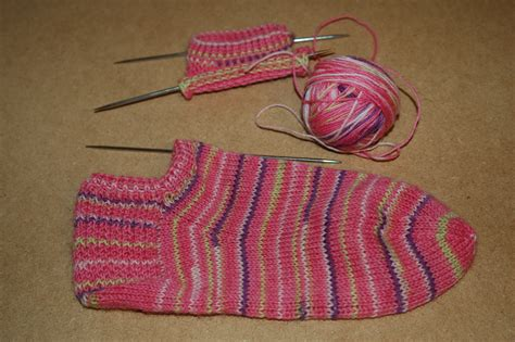 free knit sock patterns with circular needles easy free sock pattern catalog of patterns