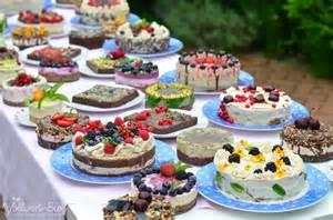 kuchen buffet im rohkost paradies die rohk 246 stliche kuchen und torten