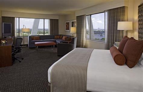 hotels with 2 bedroom suites in st louis mo 2 bedroom hotel suites in st louis missouri bedroom