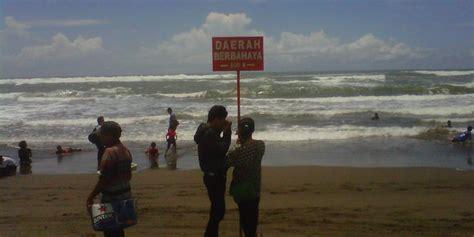 Baju Hijau Pantai Parangtritis tidak boleh pakai baju hijau di laut selatan mitos atau fakta merdeka