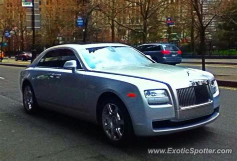 rolls royce ghost spotted in manhattan new york on 04 16 2013