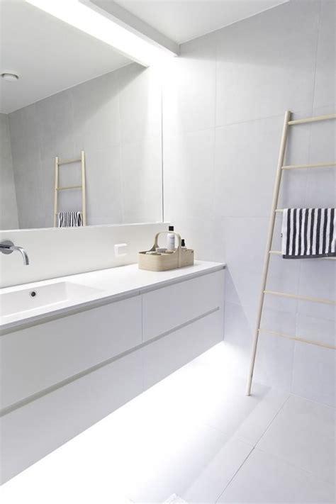 minimalist ideas 45 stylish and laconic minimalist bathroom d 233 cor ideas digsdigs