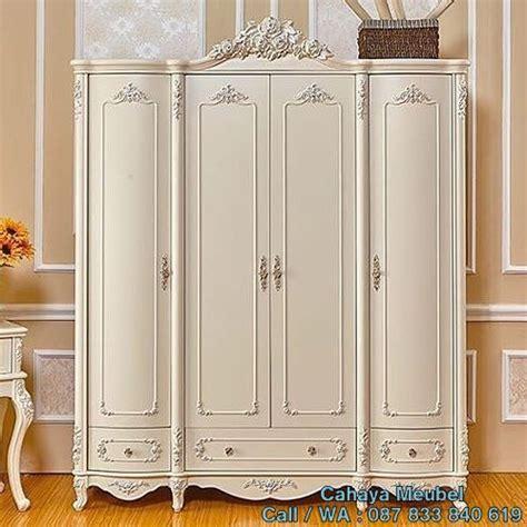 Lemari Pajangan Ukir Mewah Alcila 4 lemari pakaian ukir mewah putih cahaya mebel jepara