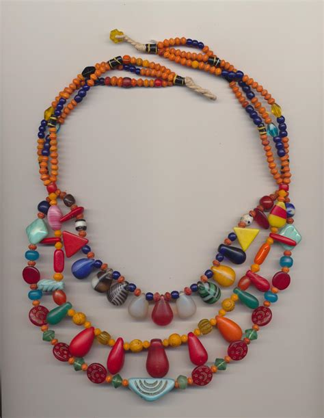 define bead necklace meaning images
