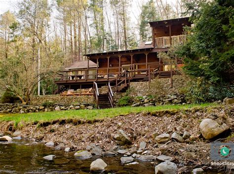 Vacation Cabins In Pa by Milford Vacation Rental Vrbo 377944ha 1 Br Poconos Cabin In Pa Cabin Streamfront Upscale