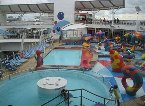 the freedom of the seas latin and english version freedom of the seas reviews and photos