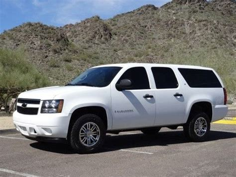 sell used no reserve 2007 suburban ls 3 4 ton one owner