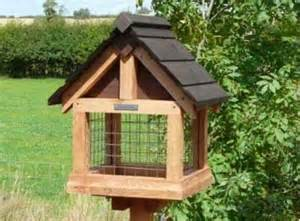 Rubbermaid Bird Feeder Bird Feeder Tables Uk How To Build A Shed Quickly