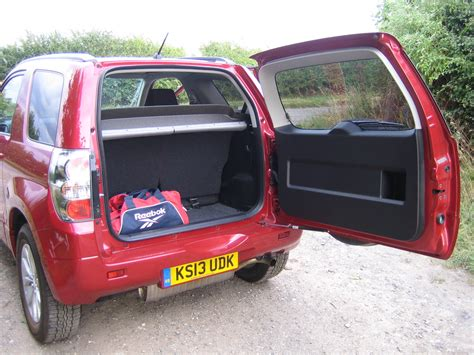 Suzuki Grand Vitara 3 Door Road Suzuki Grand Vitara 3 Door 2 4 Sz4 Road Test And Review