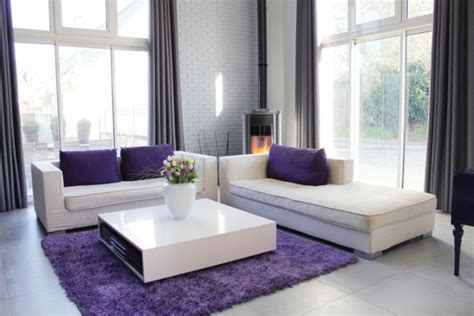 sofa kinderzimmer lila einrichten mit farben lila farbt 246 ne f 252 r magische