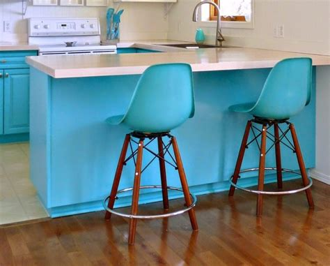 Turquoise Kitchen Decor Ideas Turquoise And White Bar Stools Why Turquoise Bar Stools