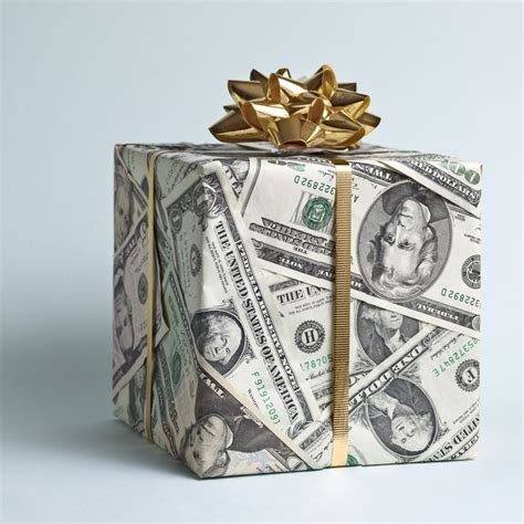how much money to give as a wedding gift 5 tips to help determine how much to spend on a wedding
