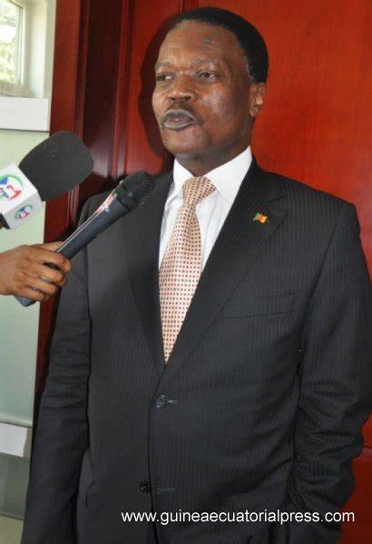 Mba From Alabama by Agapito Mba Mokuy Recibe Al Embajador Camerun 233 S P 225