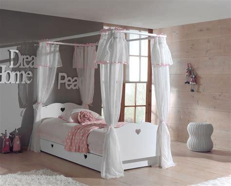 bett mit vorhang himmelbett amori mit bett vorhang und bettschublade