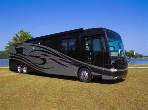 2005 Newmar Essex Motorhome Coach