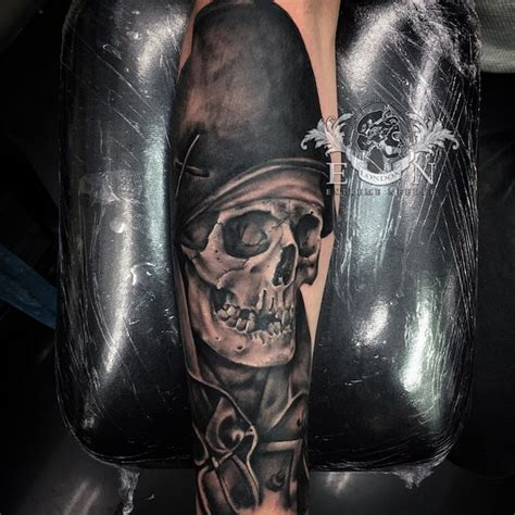 extreme needle tattoo review aitor black and grey realistic tattoo artist london