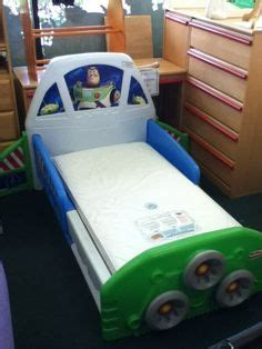buzz lightyear toddler bed i am buzz lightyear quilt cover set http www kidsbeddingdreams com toy story bedding