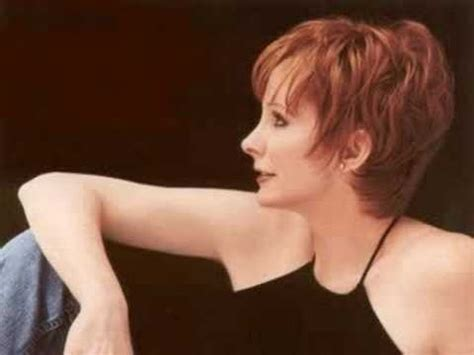 pics of reba mcintyre in pixie hair style lookfor hari cuts of reba mcentie short hairstyle 2013