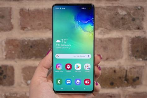samsung galaxy s10 has a battery drain issue users complain about problem pile up hiptoro