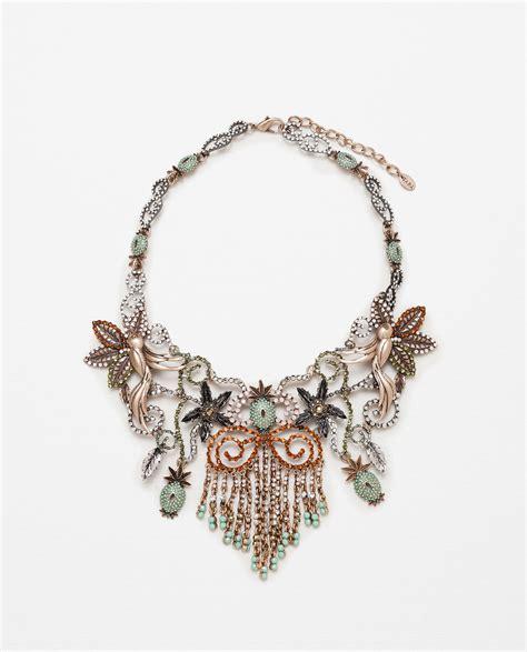 Kalung Zara Claris Necklace Grey zara flowers birds and pineapple necklace in metallic lyst