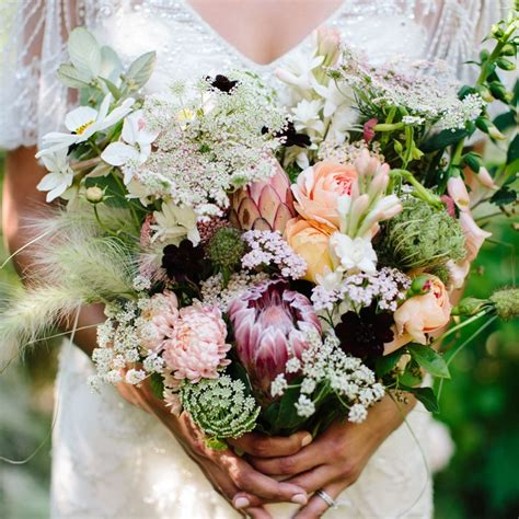 Wedding Bouquet Etiquette 5 wedding bouquet etiquette questions you need to read