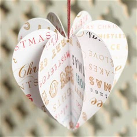 hand made christmas out of paper 30 beautiful diy ornaments to make