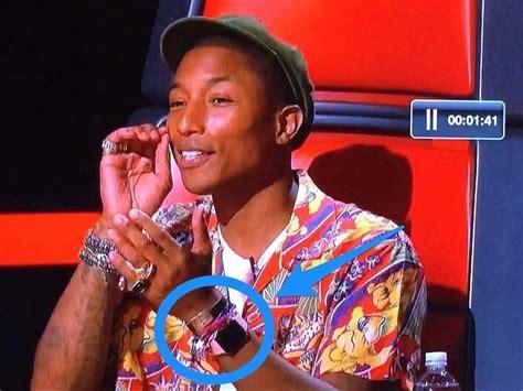 pharrell williams voice pharrell williams wearing apple watch on the voice
