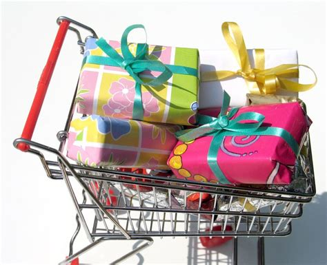 how to make money buying and selling gift cards leave the stress gift giving tips for every