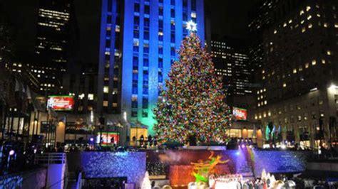 weihnachtsbaum am new yorker rockefeller center leuchtet