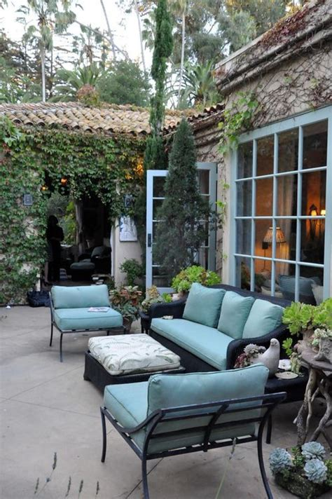 como decorar patios exteriores ideas para decorar tu patio en tonos pastel