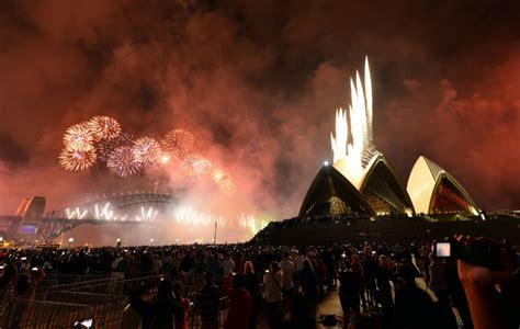 sydney new year s eve firework show live stream when