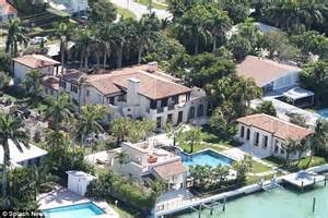 matt damon sells miami mansion where he started his family