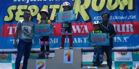 Sepatu Roda Gresik mils raih juara umum kejuaraan sepatu roda di kediri
