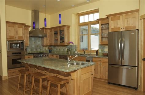 columbia kitchen cabinets 9 best columbia cabinetry images on pinterest armoire