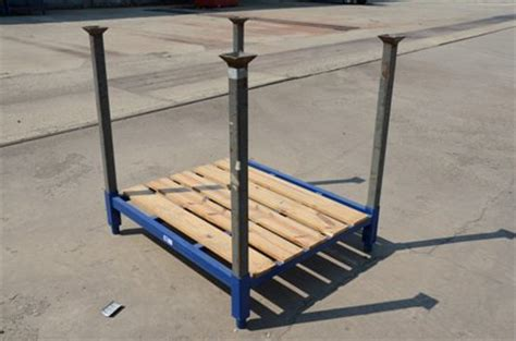 used stackable racks u 01072