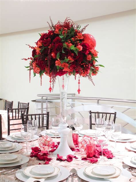 Picture Of Awesome Christmas Wedding Centerpieces