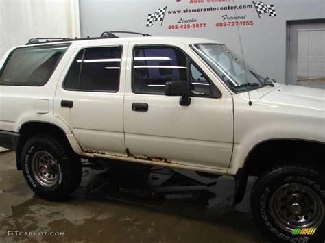 1990 toyota 4runner interior 1990 white toyota 4runner sr5 v6 4x4 24588882 photo 2