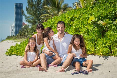 kids naturist sunny isles family portrait photoshoot
