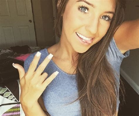 Alesha Top Ly alesia bio facts family of instagram youtuber