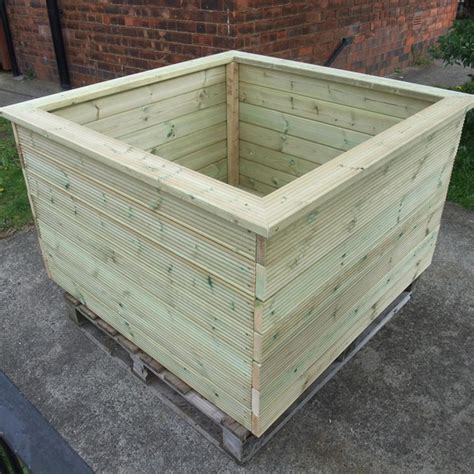 made to measure bespoke wooden planters gardener