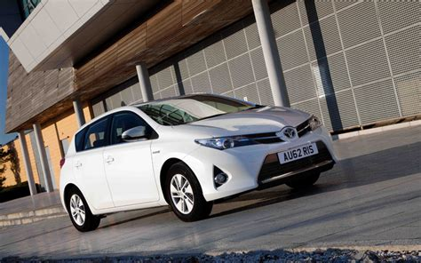toyota company cars toyota auris leads low company car tax charge at fleet