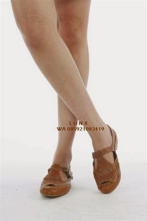 Flat Shoes Cewe Simple Db4649 jual sepatu cewe limited heels wedges boots flats