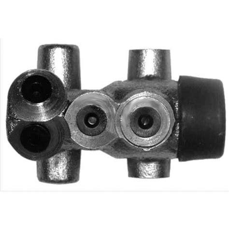 alfa romeo gt/v/6 (116) brake servo/brake master cyl.