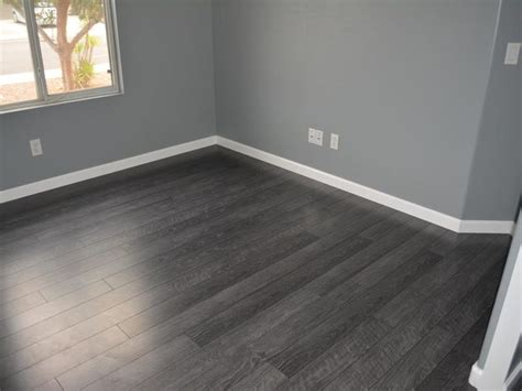 Grey Walls With Wood Floors by Best 25 Gray Floor Ideas On Grey Wood Grey