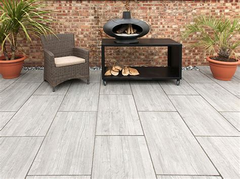 Tiles For Outdoor Patio by Triyae Large Tiles For Backyard Various Design