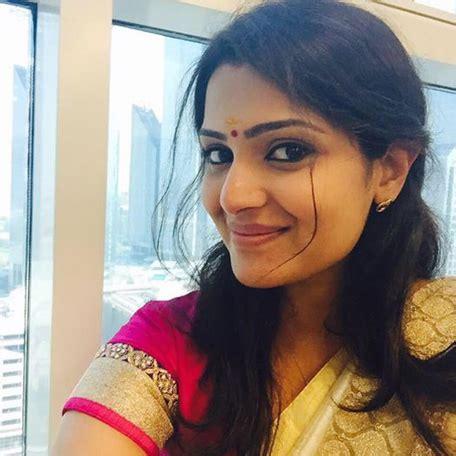 flydubai female staffer is new star of malayalam cinema